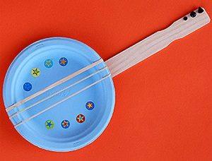 Paper-Plate-Banjo