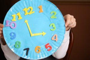 paper-plate-clock-for-preschoolers