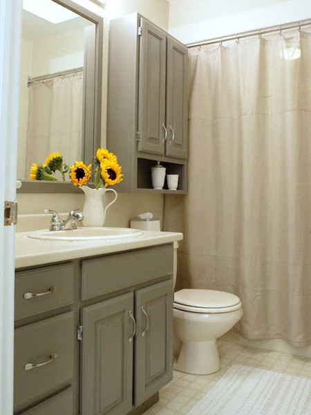 Monochromatic Bathroom with Sunflowers