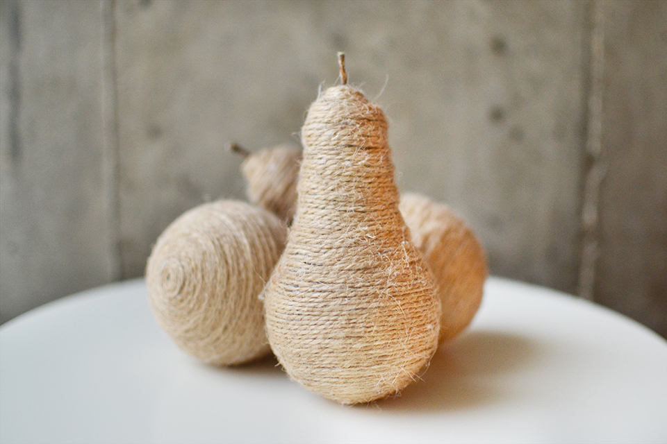 diy-twine-light-bulb-pears