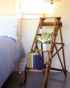 10 Stepladder into Bed Stand