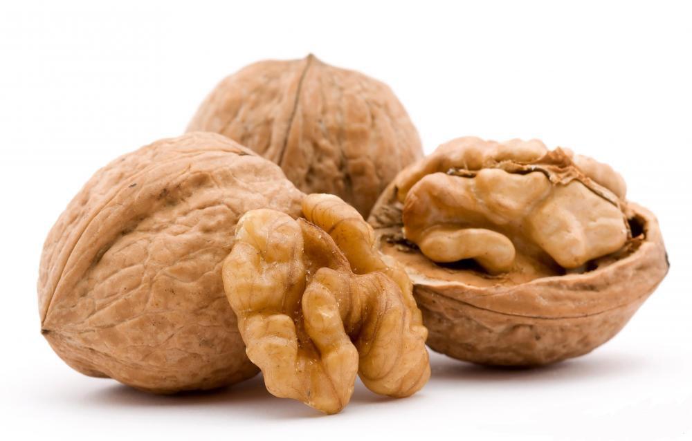 2 walnuts