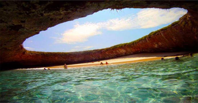 3. Hidden Beach, Marieta Islands