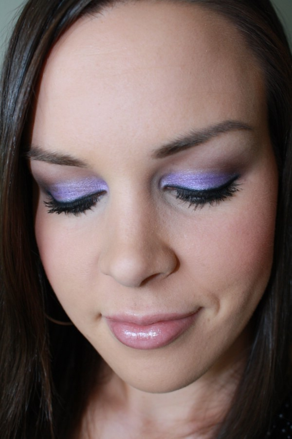 5 White Eye Shadow To Make Your Eyes Stand Out