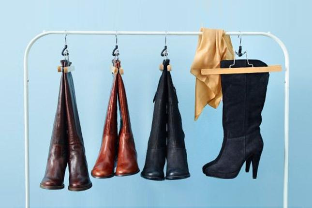 1 hanger boots